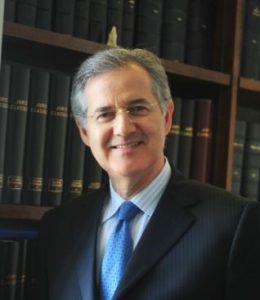 Maître Patrice MOUCHON, Avocat à la Cour de Paris – Arbitre et Médiateur international et Ancien enseignant de l'Université Paris II et de l'Ecole du Barreau.